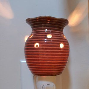Scentsy Ceramic Nightlight Aromatherapy Wax Warmer